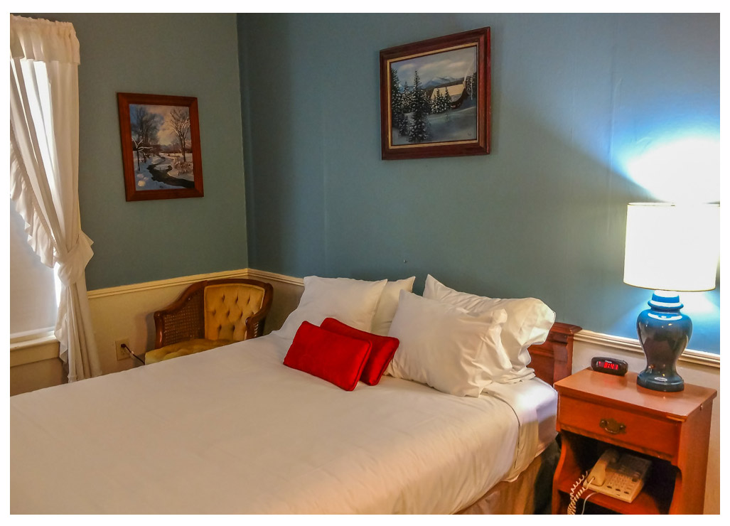 Classic Rooms in Littleton NH Hotels at Thayers Inn Room 19