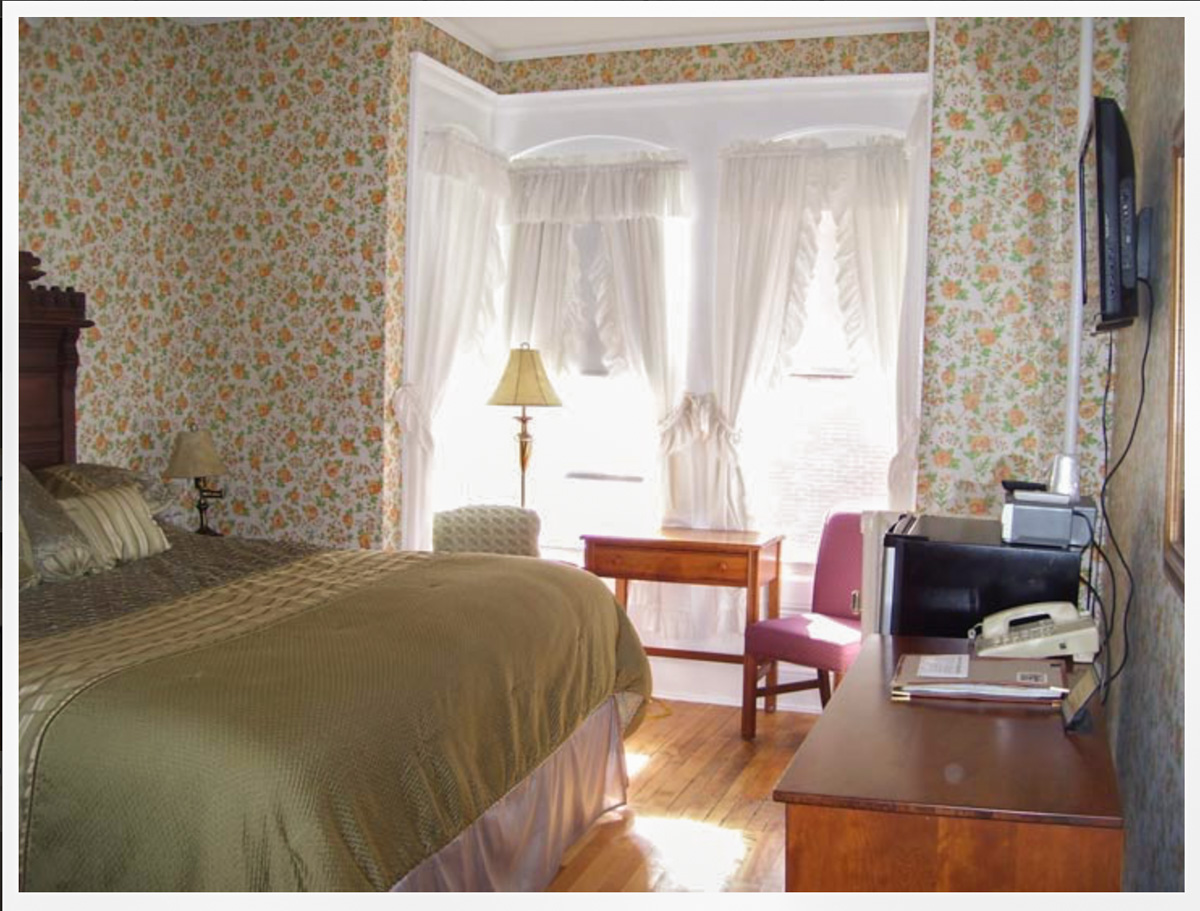 New Hampshire Resort offers historic Littleton NH Inn rooms