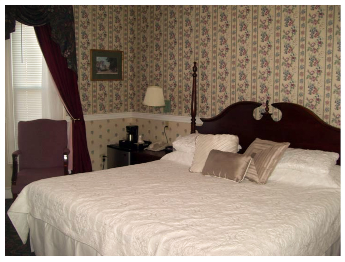 Classic Rooms in Littleton NH Hotels at Thayers Inn Room 1B