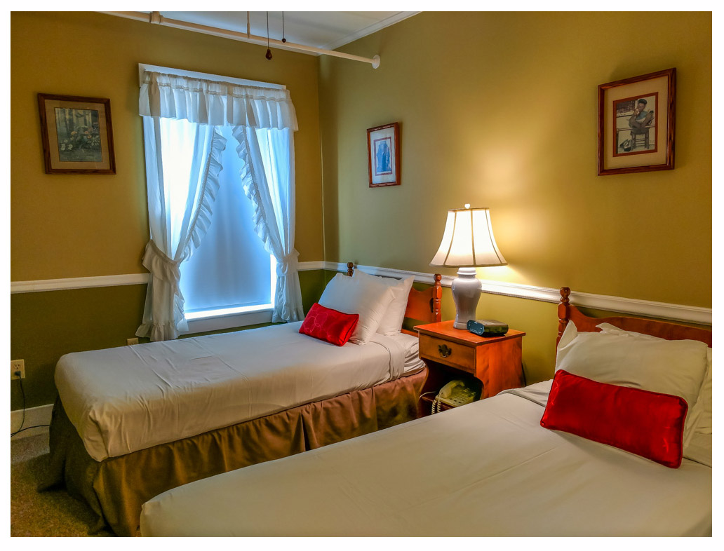 Littleton NH Lodging Family Suite 32