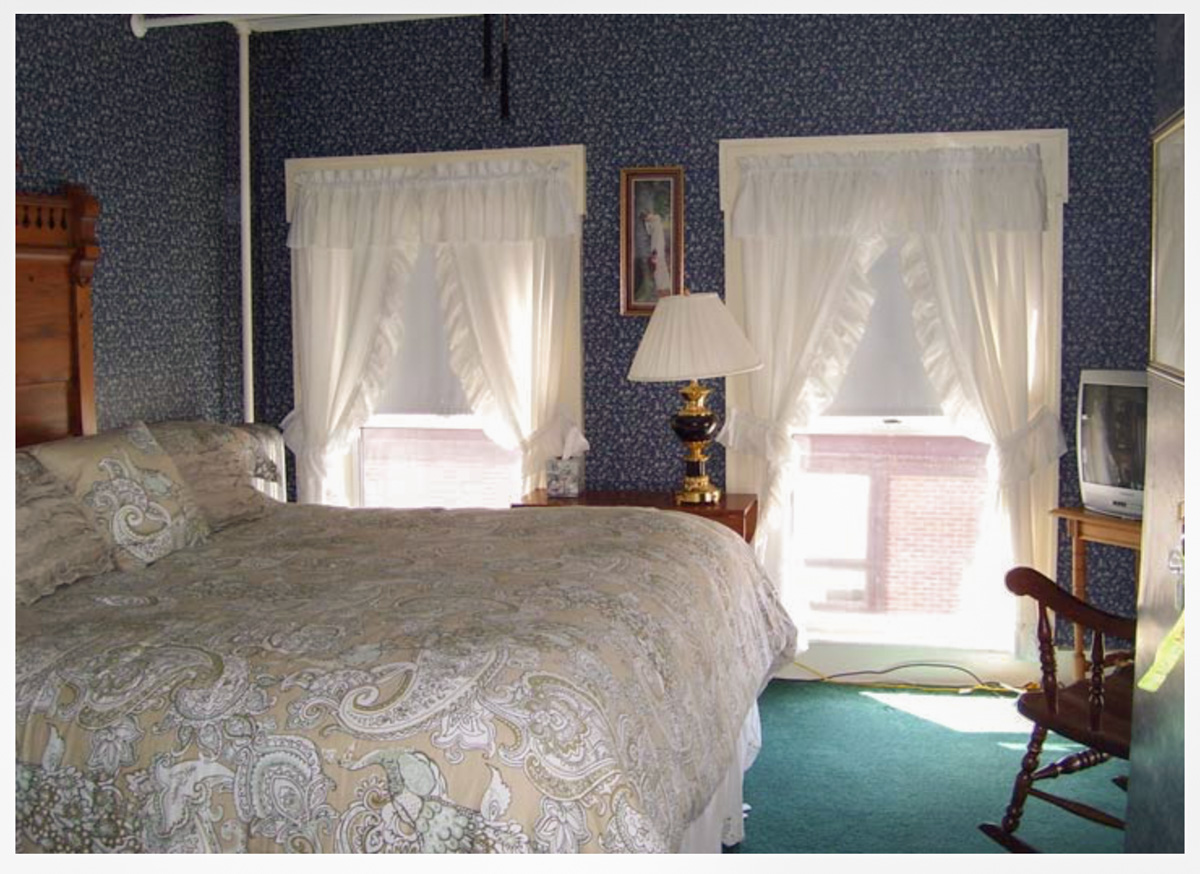 Littleton NH Lodging Family Suite 20
