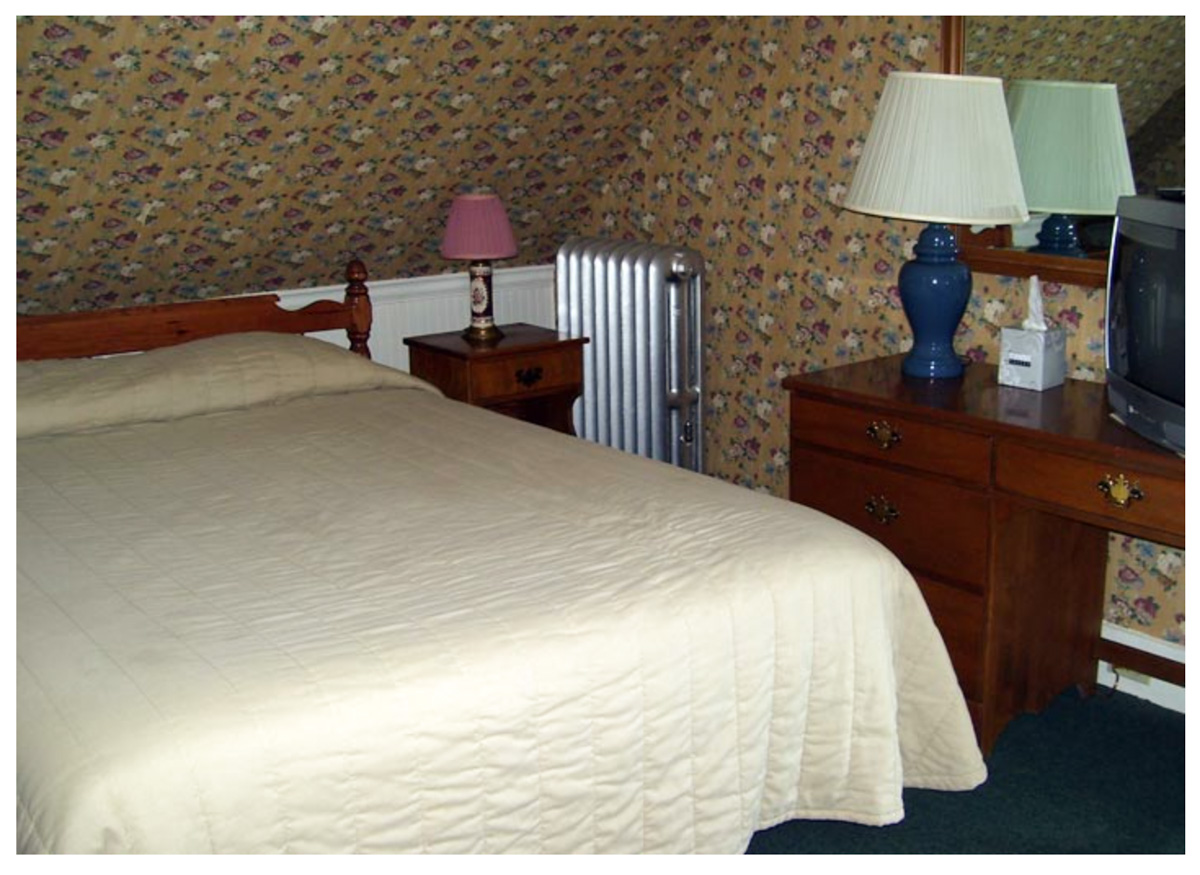 Littleton NH Lodging Family Suite 45