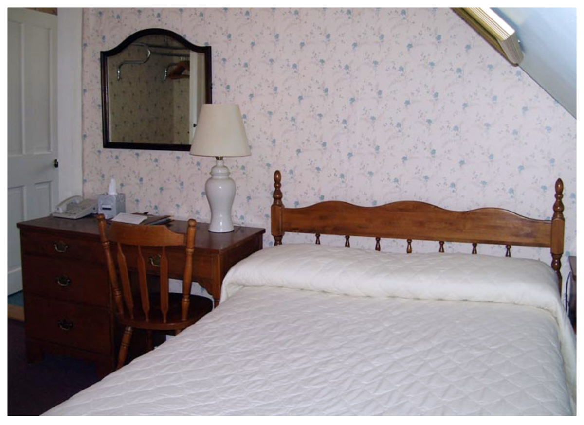 Littleton NH Lodging Family Suite 50