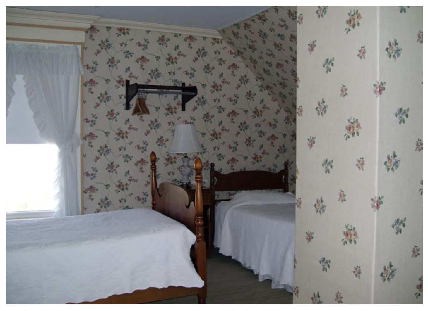 Littleton NH Lodging Family Suite 39