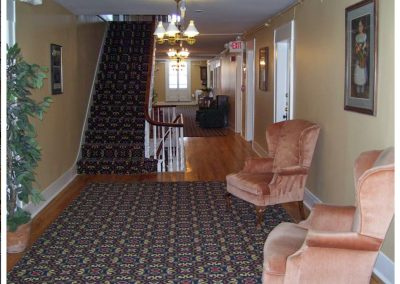 littleton-nh-hotel-bed-breakfast-white-mountains-third-floor-hallway