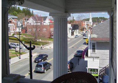 littleton-nh-hotel-bed-breakfast-white-mountains02