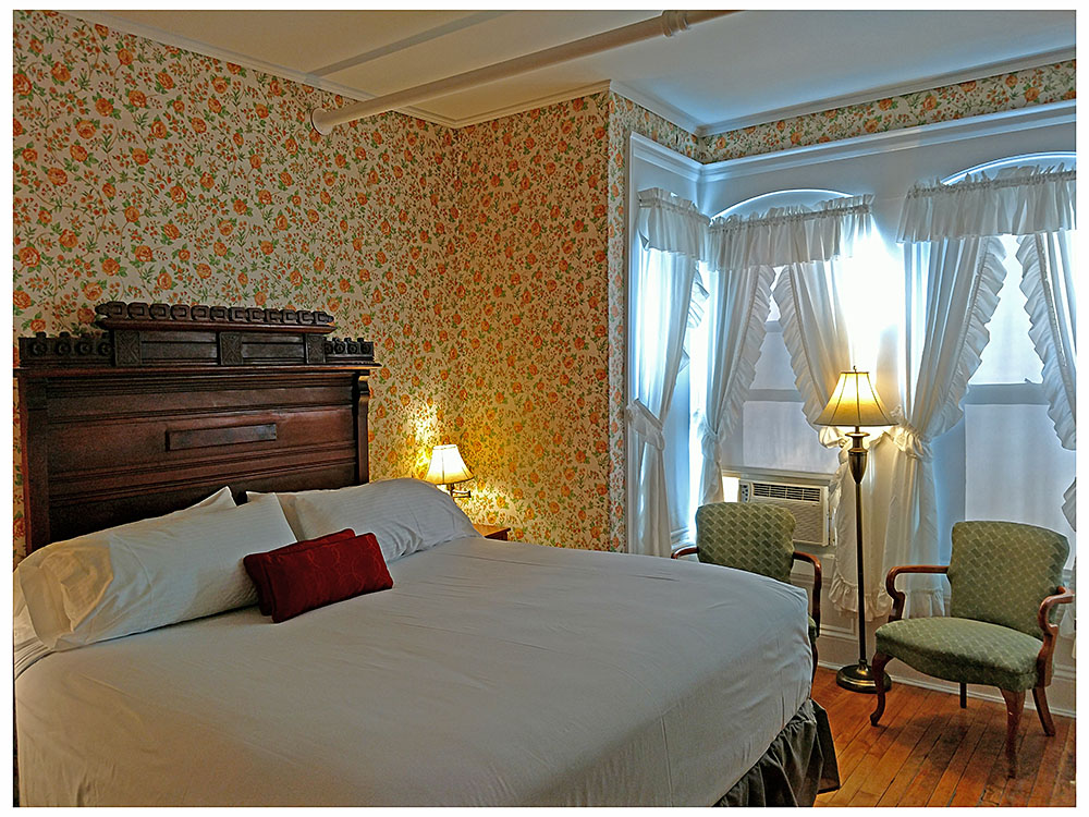 Superior Rooms in Littleton NH Hotels at Thayers Inn Room 6