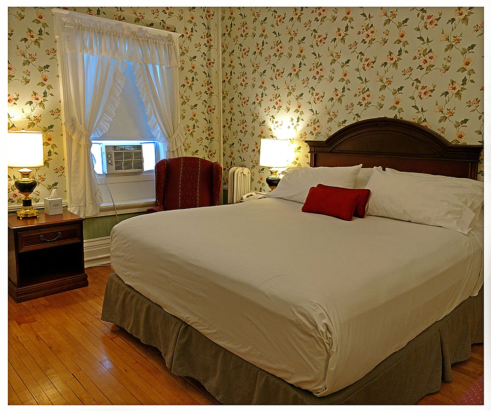 Superior Rooms in Littleton NH Hotels at Thayers Inn Room 7